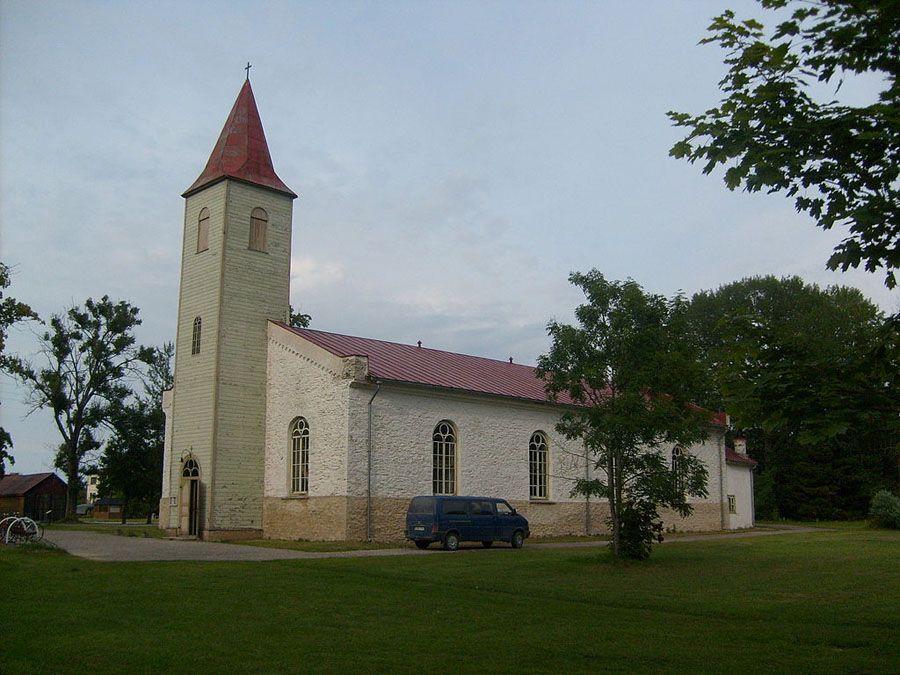 Церковь в Каярдле Фото