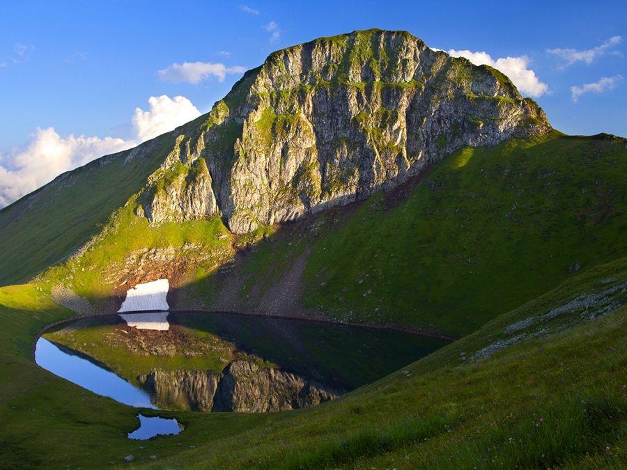 Фото озера на территории Кавказского государственного заповедника
