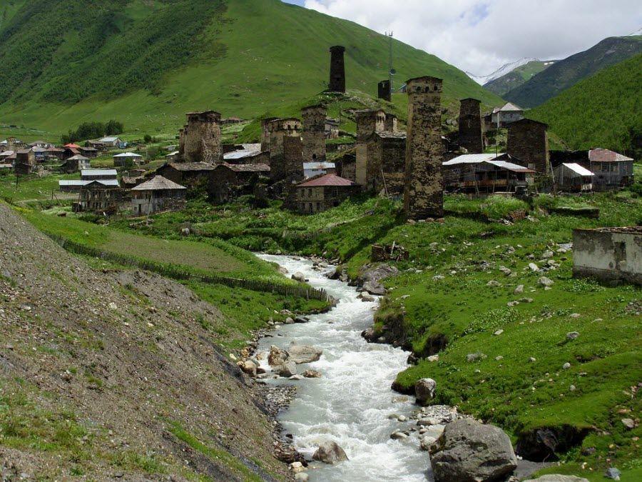 Город Казбеги в Грузии