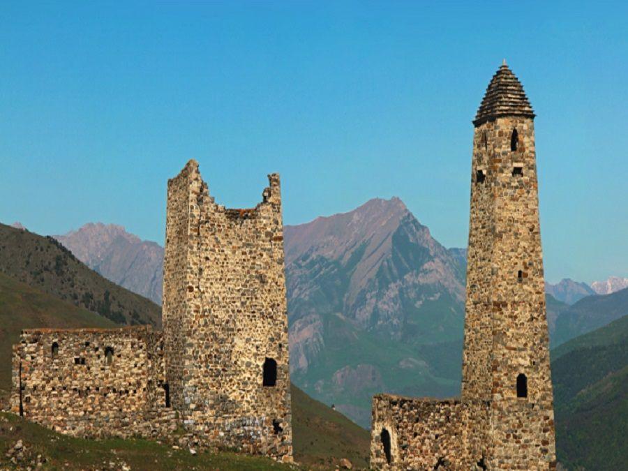 Фотография башен Хамхи в Ингушетии