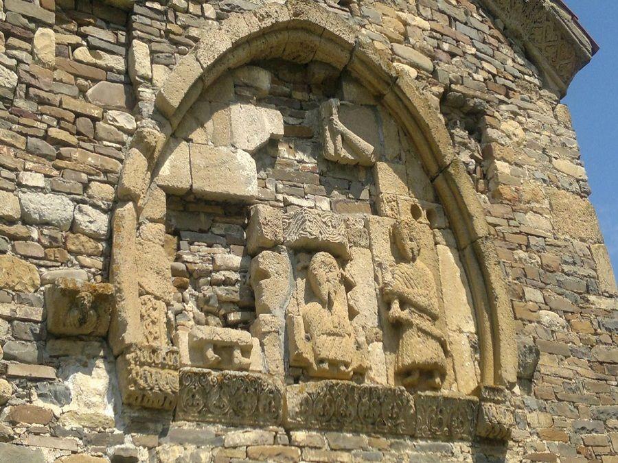 Фотография барельефа на храме Тхаба-Ерды