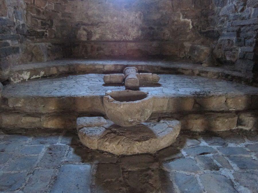 Фотография интерьера в храме Тхаба-Ерды