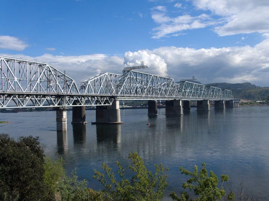 Фото мост через реку Енисей в Красноярск