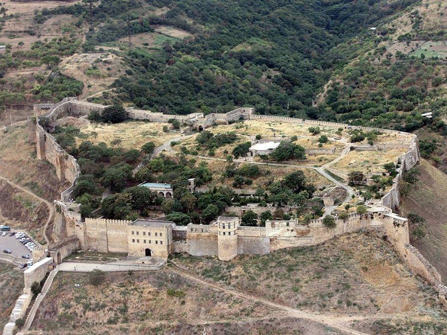 Фотография крепости Нарын-Кала вид сверху