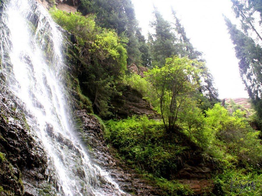Фото водопада в Киргизии