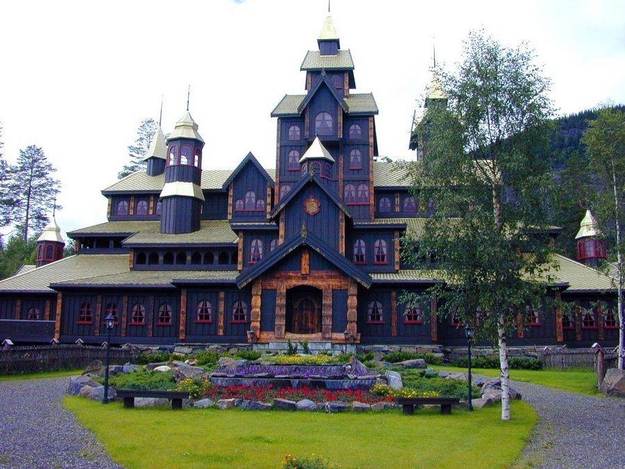 Фото Сказочного замка в Лиллехаммере Норвегия