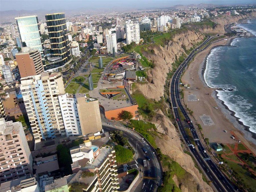 Фотография города Лима с высоты птичьего полета