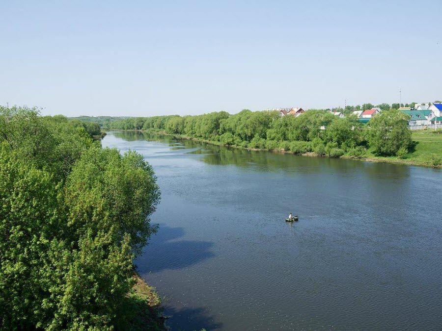 Потрясающий вид на реку Сосну с моста фото