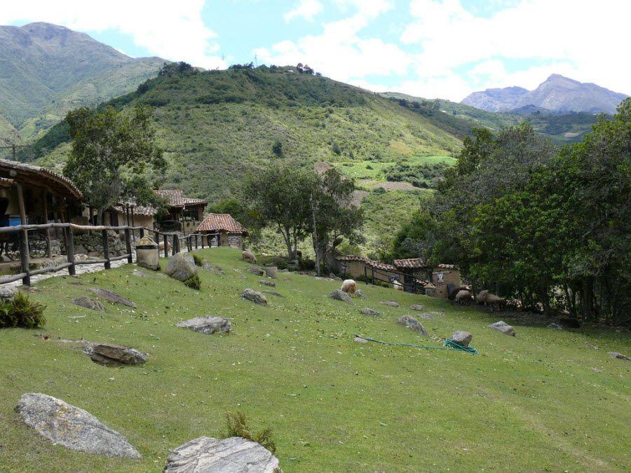Вид на прекрасные холмы Мериды фото