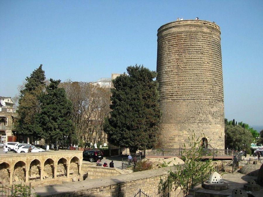 Девичья башня фотография в Баку
