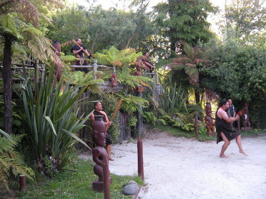 Фото культурного центра маори в Роторуа