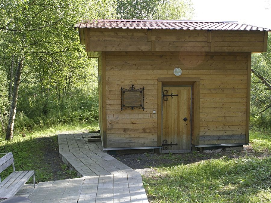 Фотография источника минеральных вод на курорте в Карелии