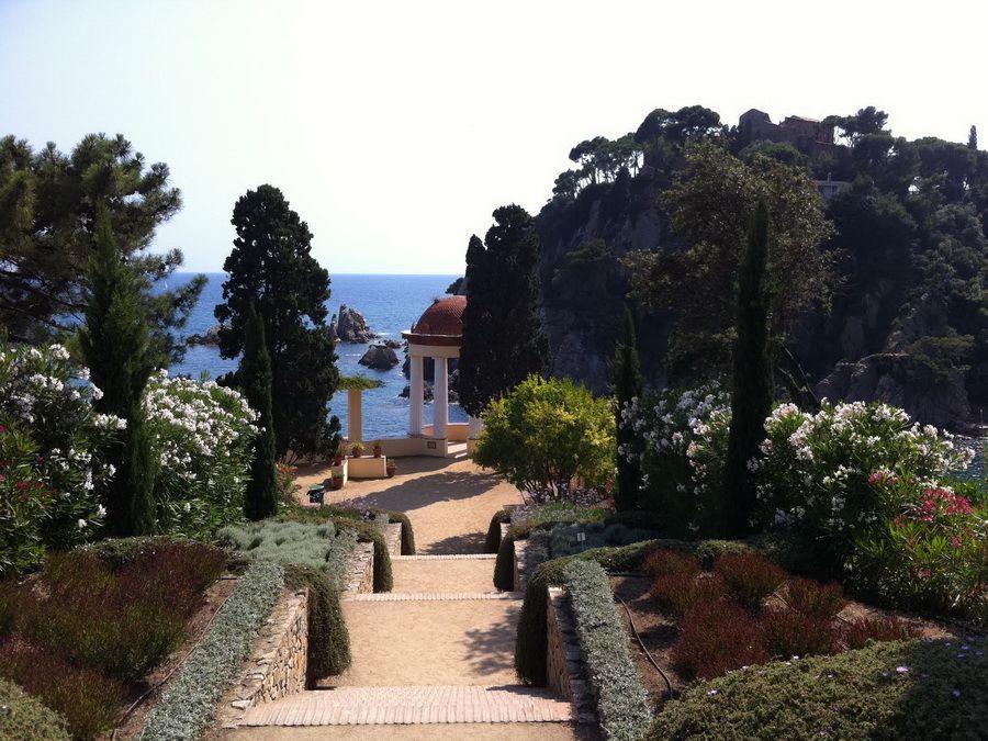 Фото вида с обзорной площадки Ботанического сада Маримуртра на побережье Коста Брава