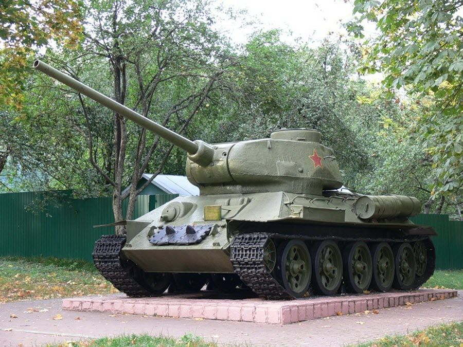 Мемориальный комплекс КП Центрального фронта фото танка