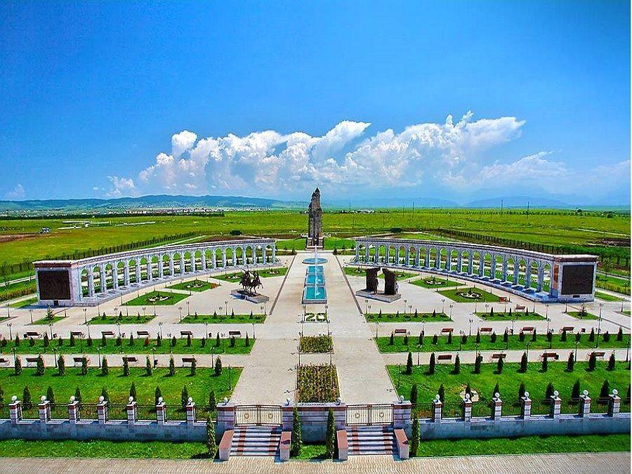 Фотография Мемориального комплекса жертвам репрессий в Ингушетии