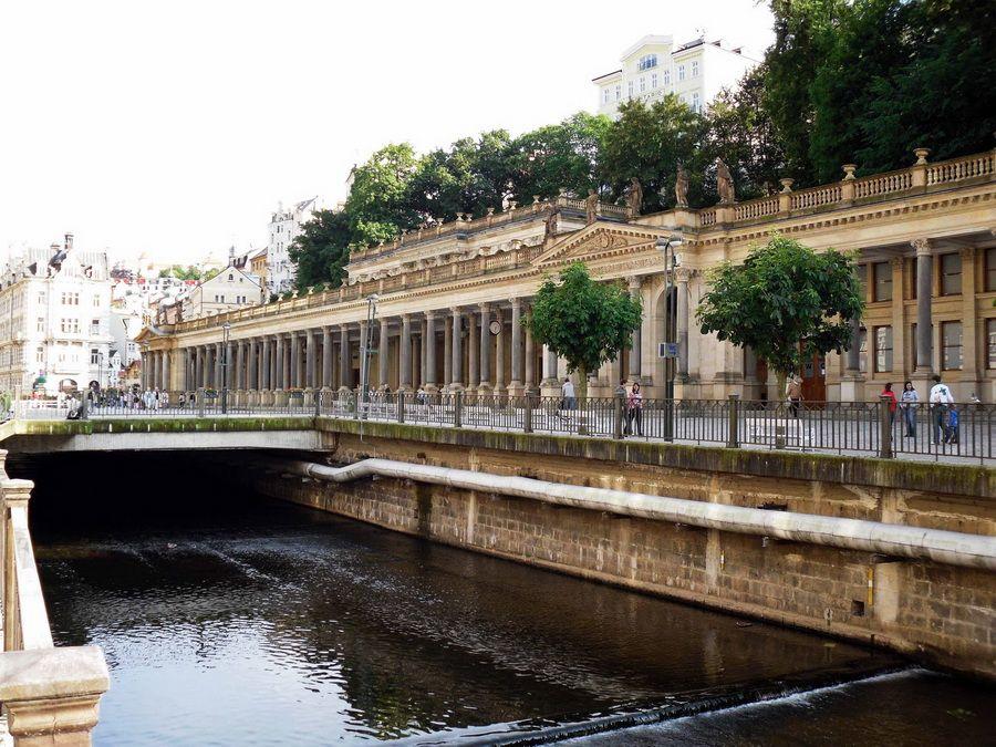 Мельничная колоннада фотография Карловых Вар