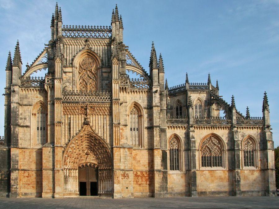 Аббатство в Баталье – фото монастыря Санта-Мария-да-Витория