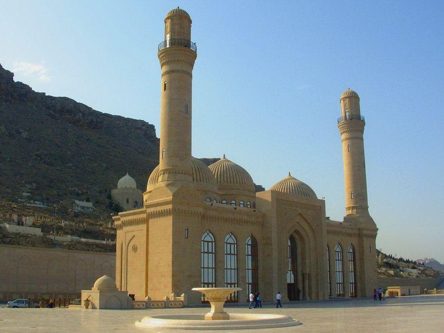 Фото мечети Биби-Эйбат в Баку
