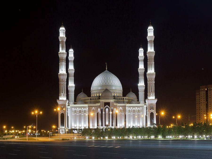 Фото соборной мечети Хазрет Султан в Астане