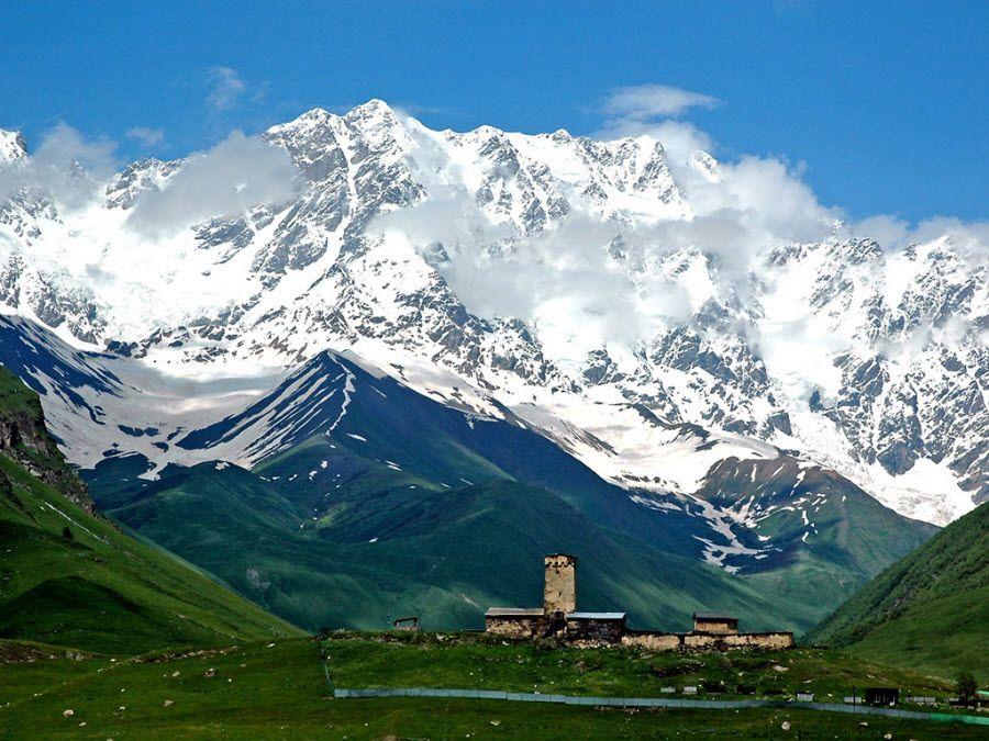 Фото потрясающих гор в Грузии