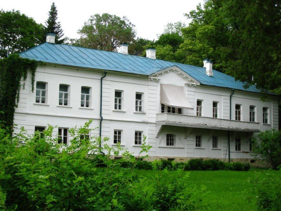 Музей-усадьба Ясная Поляна в Щекинском районе Тульской области фото