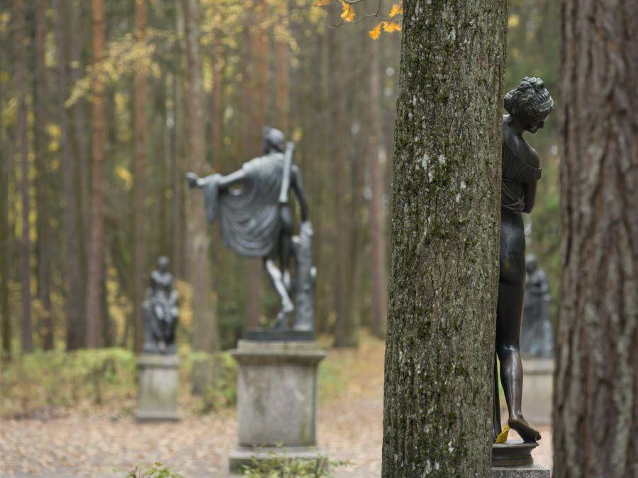 Фото красивых скульптур музея-заповедника Павловск