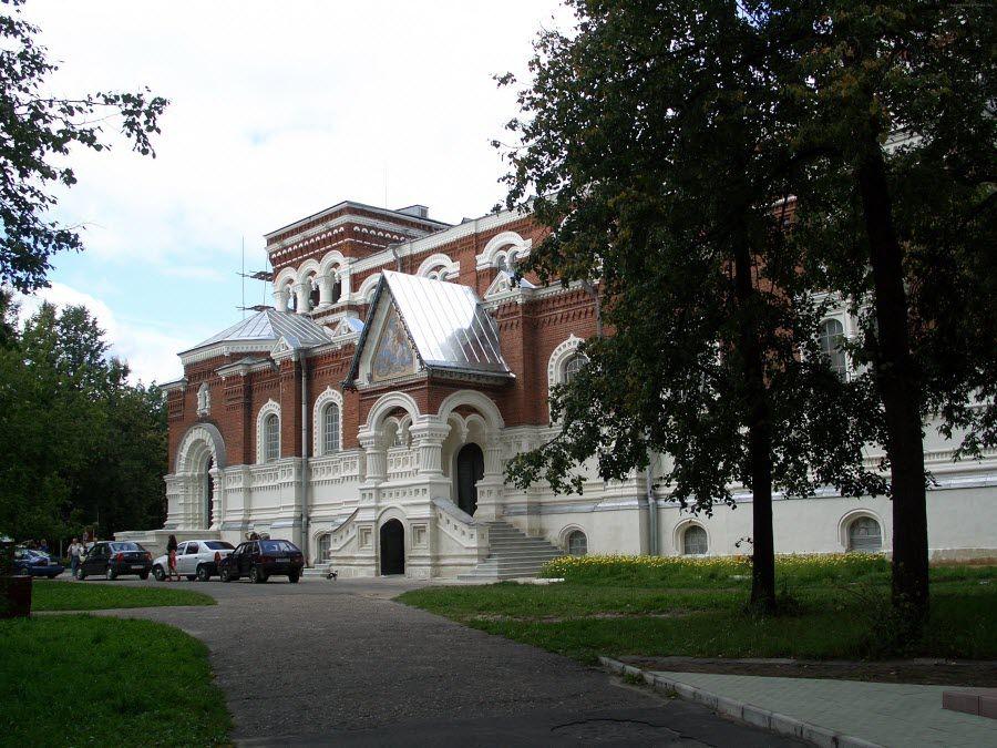 Музей стекла и хрусталя в городе Никольск Пензенской области фото