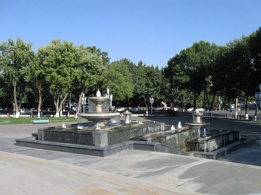 Водопад у музея Тимуридов в Ташкенте фотография