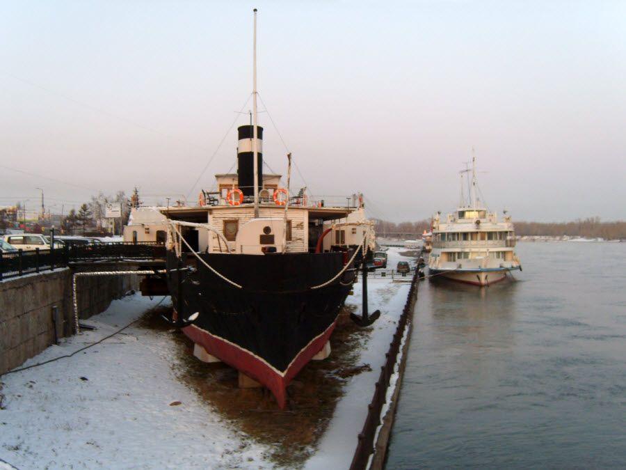 Корма музея-парохода в Красноярске фото