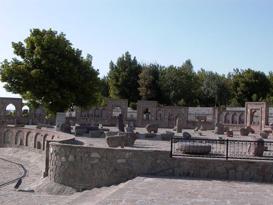 Каменные сооружения Нахичеваня