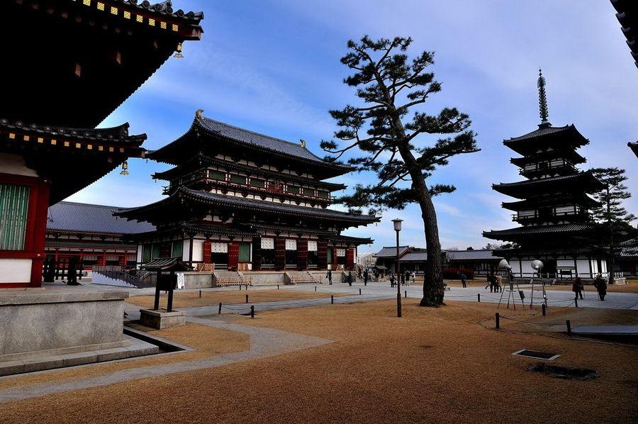 Фото панорамы города-музея Нары в Японии