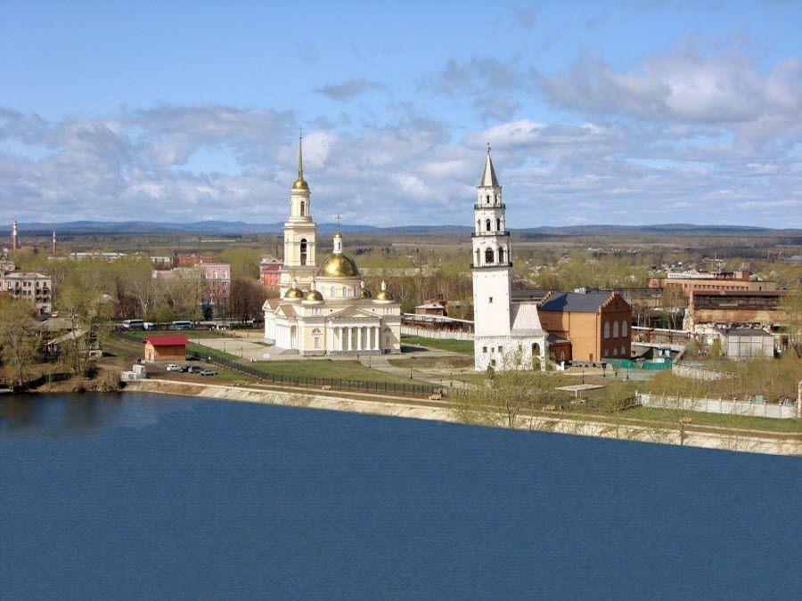 Фото панорама Невьянской башни в Свердловской области