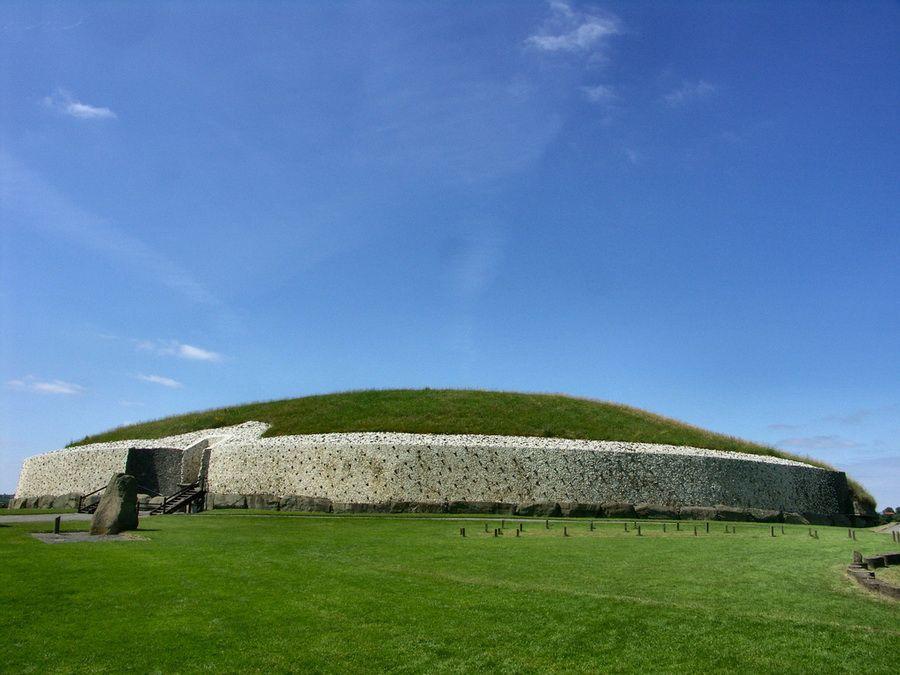 Фотография Ньюгрейнджа в Ирландии