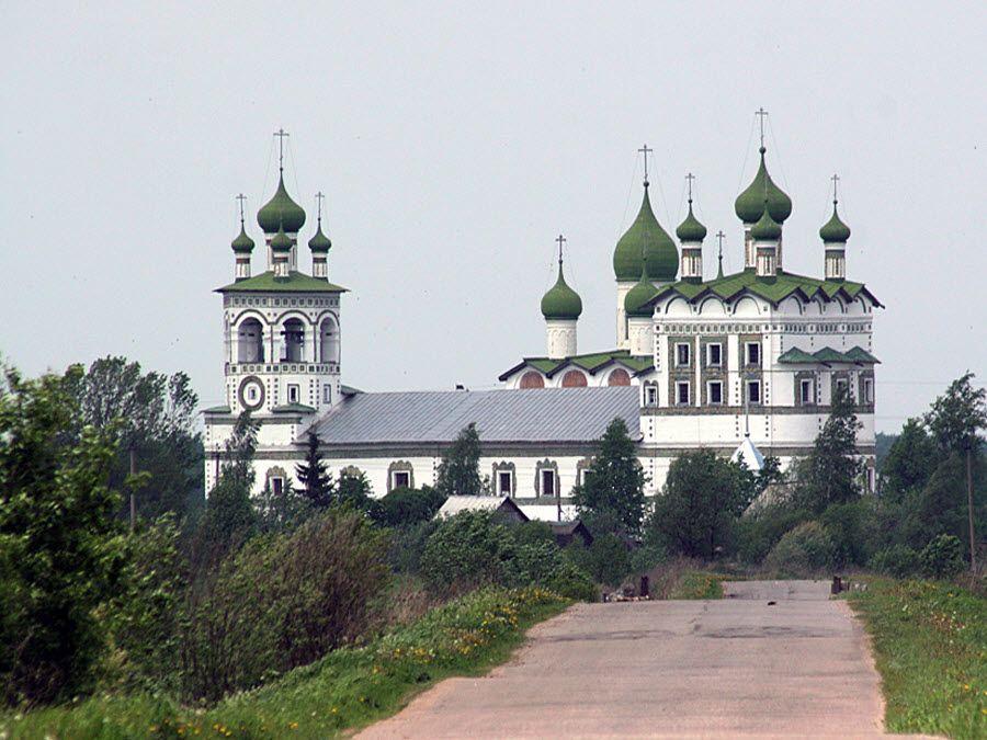 Панорама Николо-Вяжищского монастыря фото