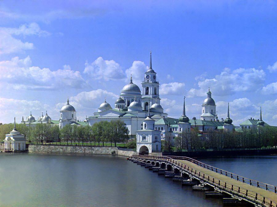 Панорама Ниловой пустыни в Тверской области фото
