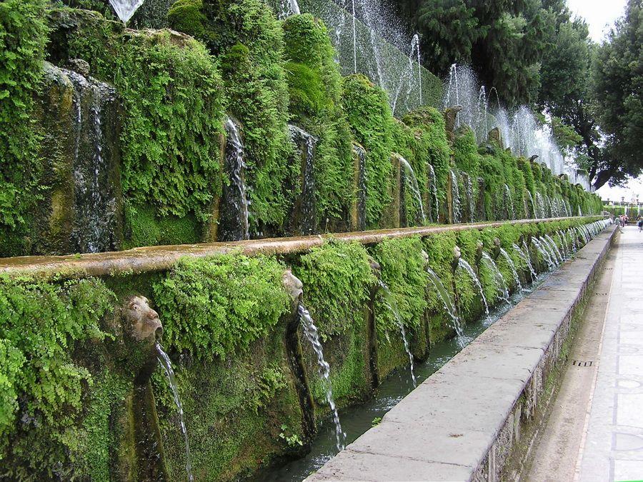 Фотография аллеи ста фонтанов виллы д'Эсте в Италии
