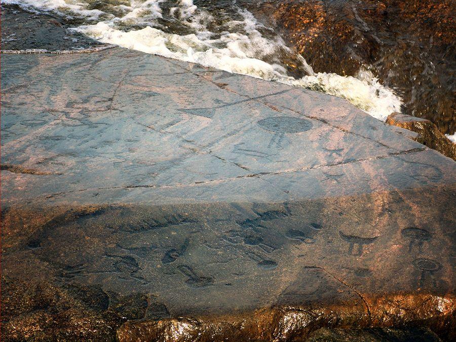 Онежские петроглифы фотографии Карелии