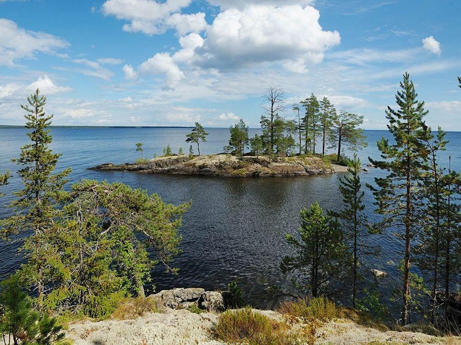 Фотография островка на Онежском озере