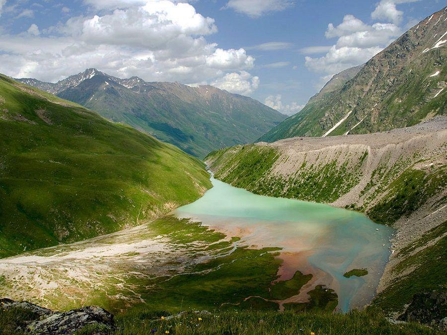 Фотография озера Донгуз Орун-Кель в Кабардино-Балкарии