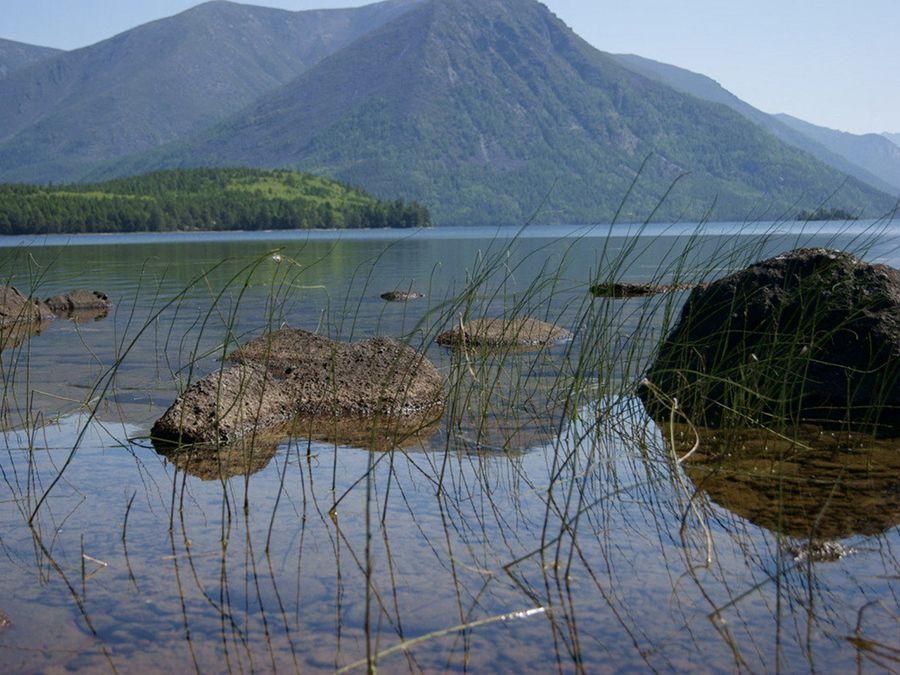 Фотография ледникового озера Фролиха в Бурятии