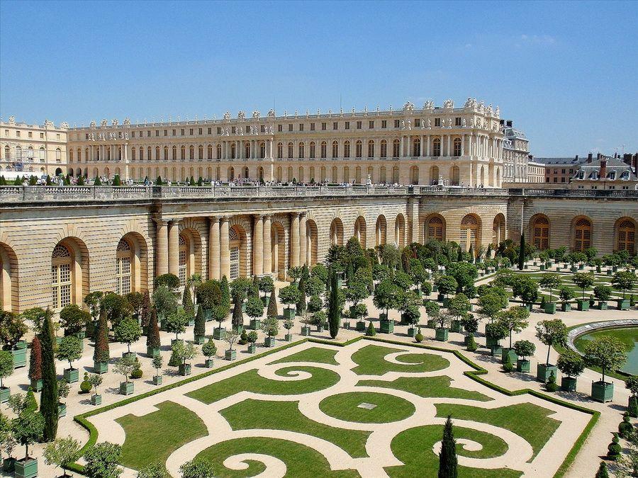 Фотография Версальского дворца во Франции