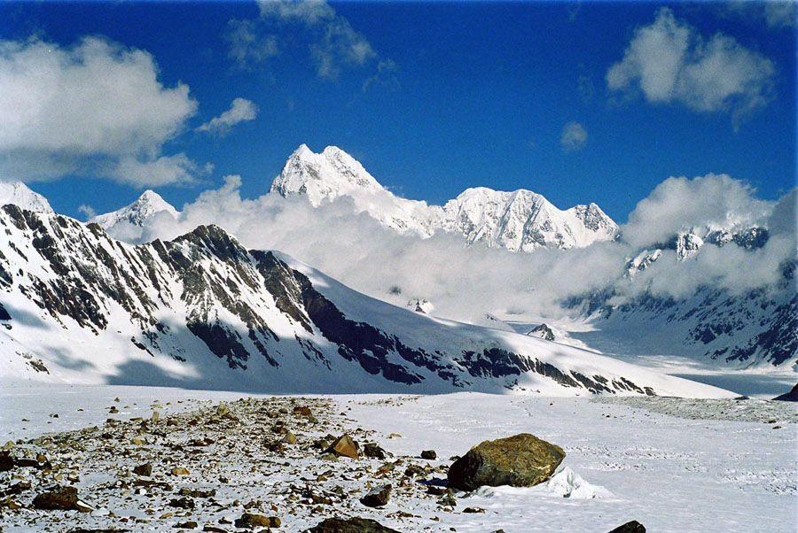 Снежные горы Памира фото