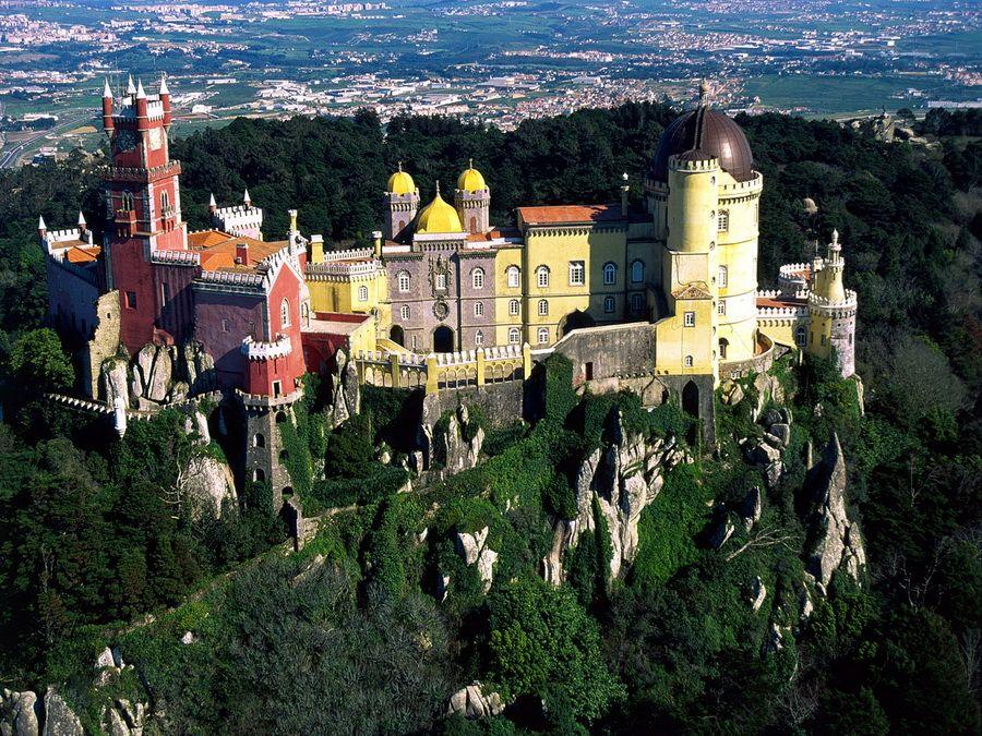 Фото дворца Пена в Португалии