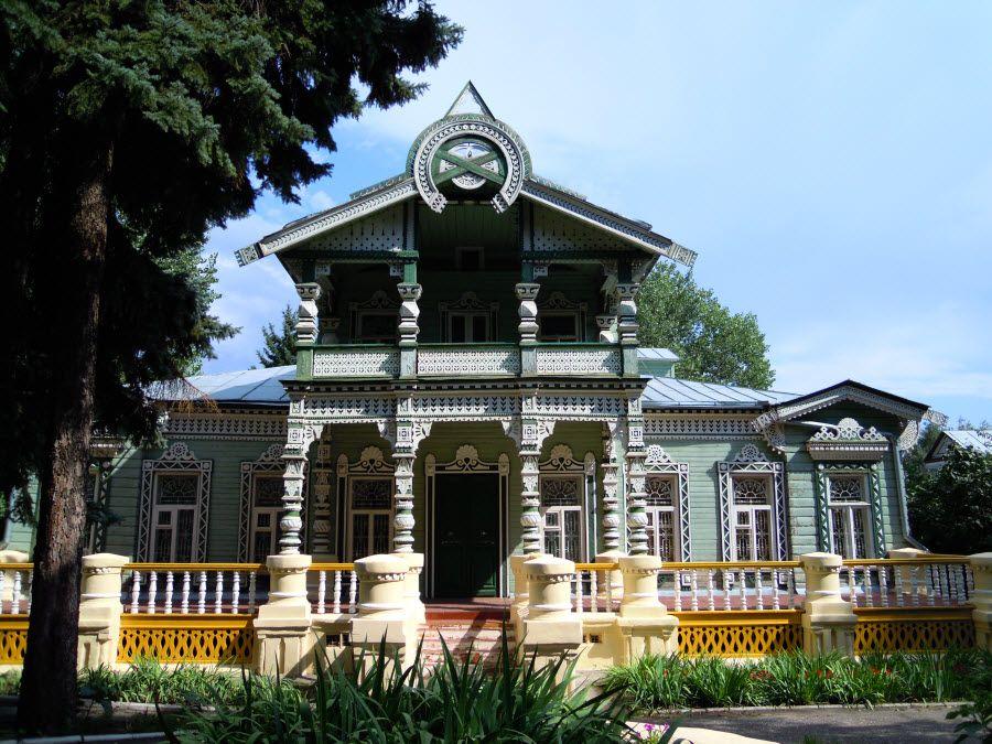 Фото старинного особняка в Пензенской области