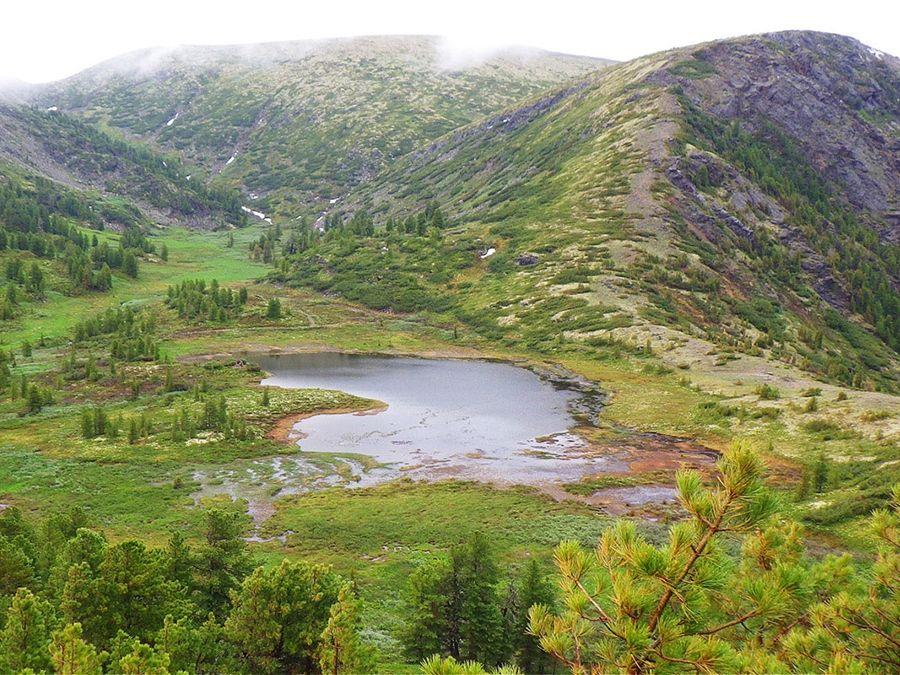 Озеро Чертово на перевале Чертовы ворота фотография