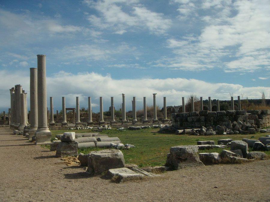 Древний город Перге Турция фото