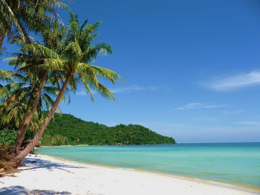 Фото пляжа с белоснежным песком на островах архипелага Фу-Куок Вьетнам