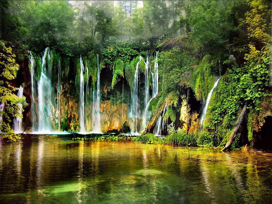 Фотография водопадов на Плитвицких озерах в Хорватии