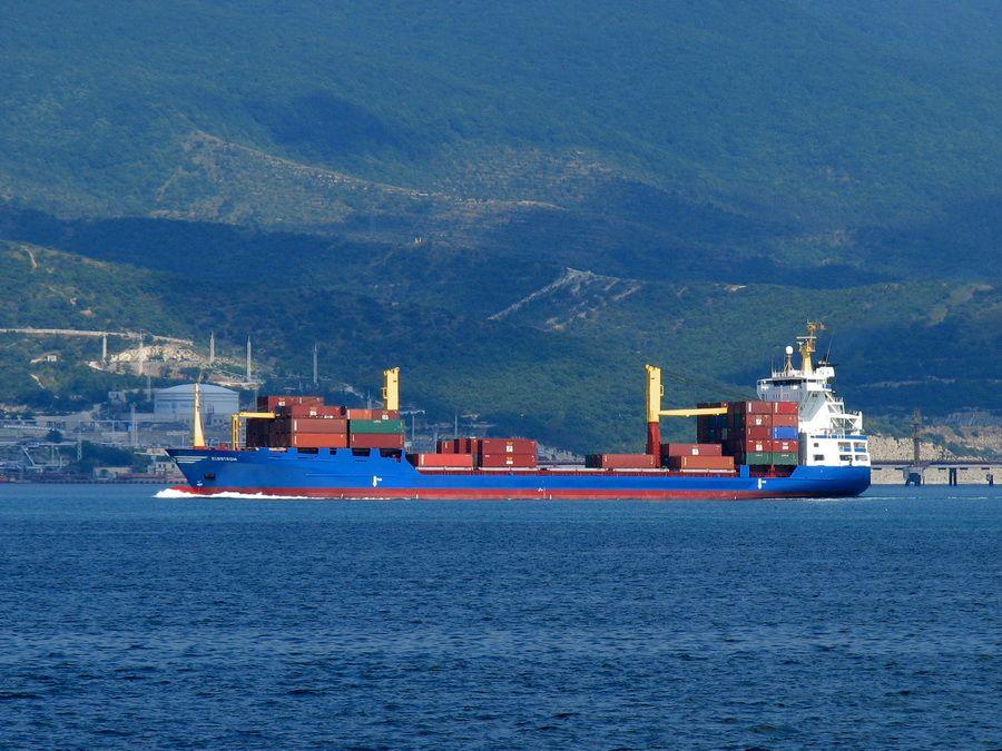 Фотография порта Новороссийска