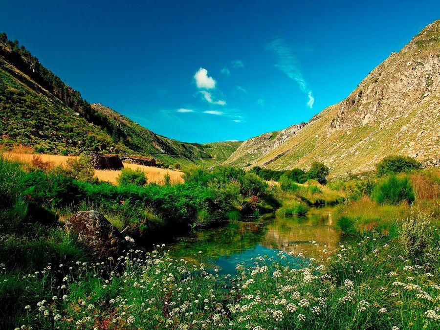 Красивая долина в Португалии фото